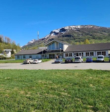 Huset Cafe og Motell sett fra E6