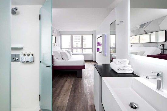 Premium King Bathroom View