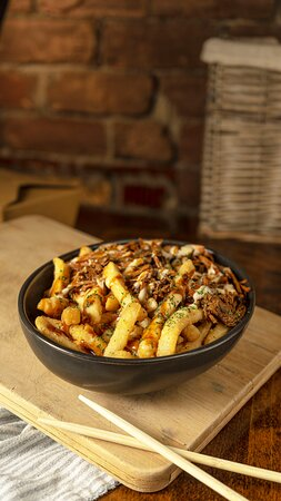 Crazy Fries with Braised Beef