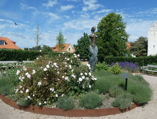 Statyn ''prinsessan Våg Iii''
