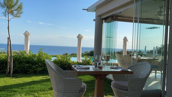 Deluxe Garden Sea View - 5* stay