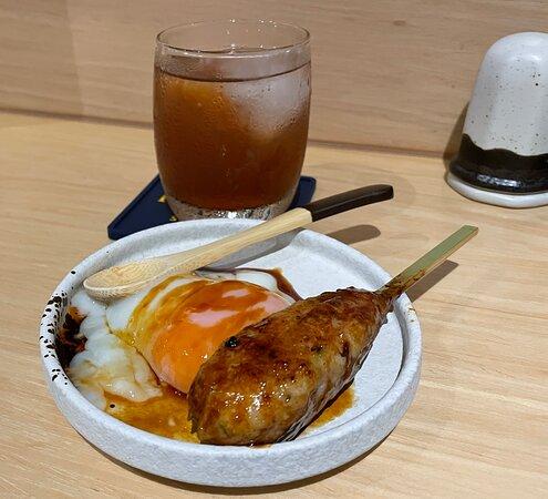 Tsukune  溫泉蛋免治雞肉棒 雞肉燒得吾幹, 外面有燒過的味道之餘還保留雞的嫩滑. 免治雞肉棒配上蛋黃漿一齊食, 蛋汁富香氣. 滑滑又好味.