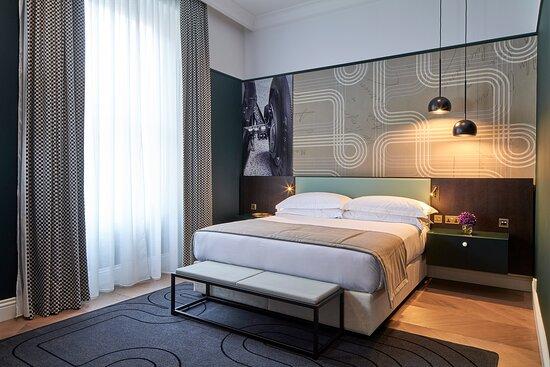 Deluxe One Bedroom Apartment bedroom