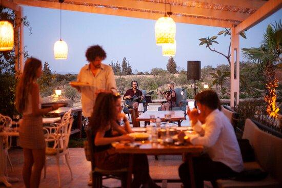 Her Akşam Canlı Performans Esliğinde İtalyan Mutfağı