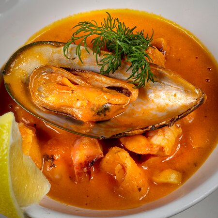 www.casadeltoro.ie Choose from over 60 delicious Tapas, including seafood, vegetarian and the classic Spanish tapas we all enjoy! Large Cocktail menu and full bar service