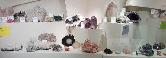 Perticara, Italien: Alla scoperta del mondo dei minerali!! Questa è solo una parte della nostra stupenda collezione!!