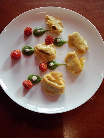 "Tortelli con ""Bruscansoli"""