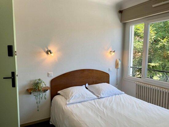 Terrasse  - Picture of Hotel Fine, Anglet - Tripadvisor
