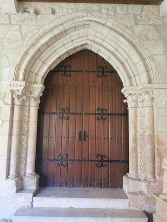 Arco de entrada a la Iglesia.