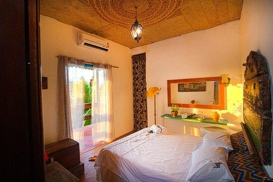 Gamboa, BA: Suite Chico Rei,ar condicionado,frigobar e varanda.