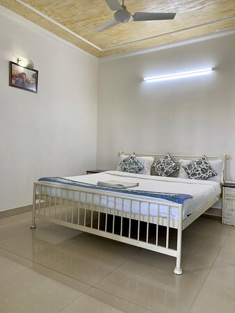 Deluxe Room with Air Conditioner