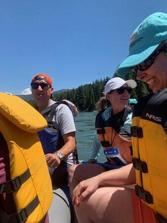 8 millas de Whitewater Standard Raft: Smiles all around!