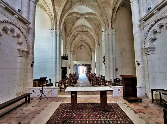 Eglise Saint-marien À Condéon