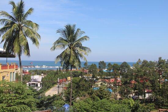 Stunning view to the beach