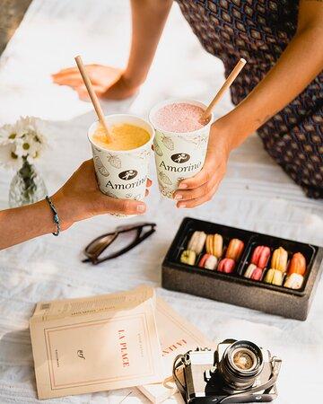 Summer's Drinks, accompagnés des macarons à la glace Amorino! Une combinaison parfaite pour l'été!
