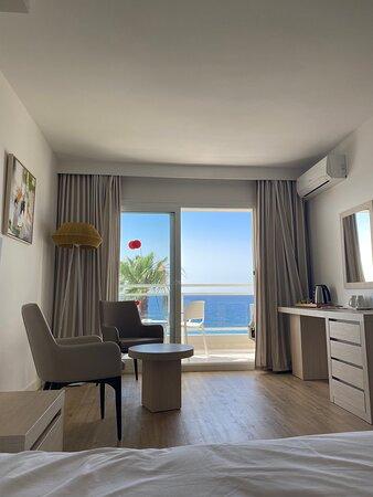 Habitación con vistas frontales al mar !!