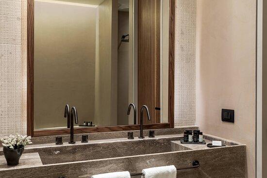 One Bedroom Residence - Bathroom
