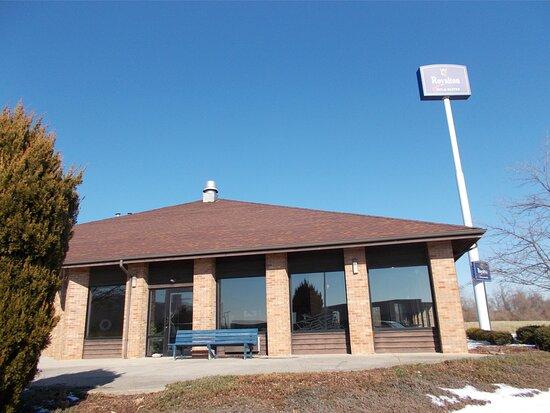 MH Roaylton Inn Wilmington Exterior