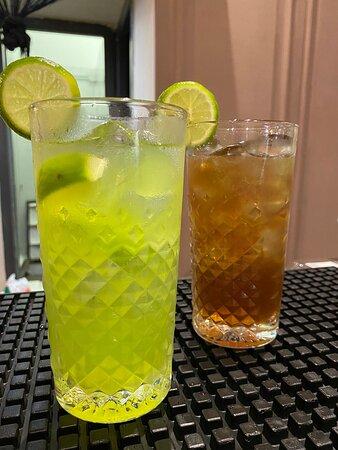 I primissimi cocktail della giornata. Più carino il verde
