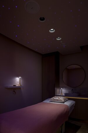 360 pamper room for facials, waxing, body treatments and more!