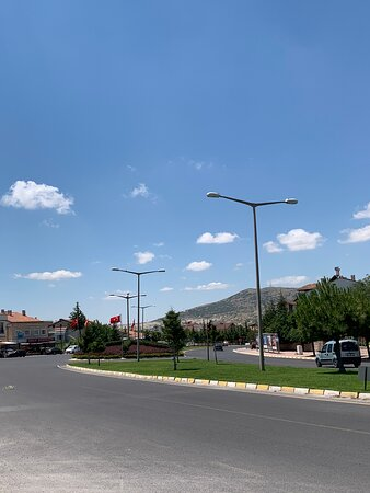 Kapadokya bölgesinde huzurla kalabileceğiniz bir aile oteli... Konum olarak harika. Güleryüzlü hizmet, Yüksek kalite, Makul fiyat.