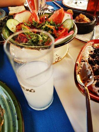 Keyifli bir akşam yemeği için mükemmel bir yer - Εικόνα του Müzeyyen Meyhane, Gallipoli - Tripadvisor