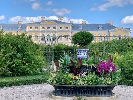 Pilsrundale, Latvia: Вкусно и уютно, в двух шагах от Рундальского дворца