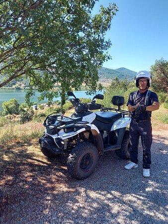 Randonnée découverte du Lac du Salagou en Quad