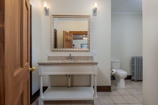 Lakeshore Room's Updated Bathroom: Double Queen Room (two queen beds)