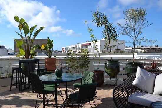 Casablanca, Marruecos: Terrasse du studio Roof Yoga pour une pause tranquille et une tasse de thé.