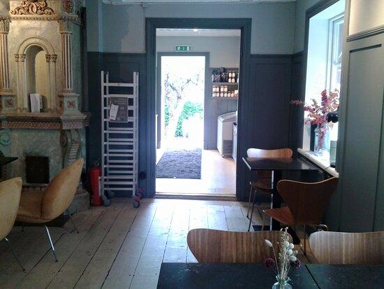 Inne på cafe Tre små rum i Trosa