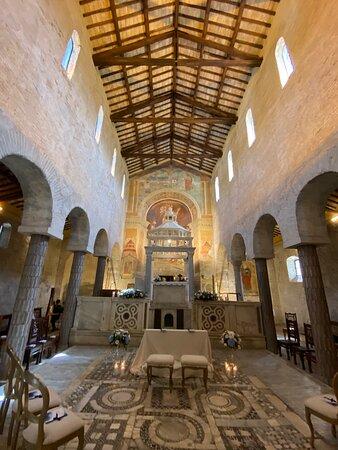 Interno chiesa Sant'Andrea in Flumine