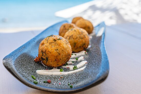 Revithokeftedes (chickpea balls), flavored yogurt