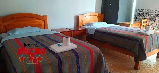 ✅HABITACION DOBLE INCLUYE: 🔸 Baño privado🧻 🔸Tv cable📺 🔸 Wi-fi 🔸Agua caliente🚿 🔸 Teléfono intercomunicador (si desea alguna bebida a su habitación)📞 🔸 Áreas verdes🌴🌳 🔸 Cochera 🚘  CODIGO: 208