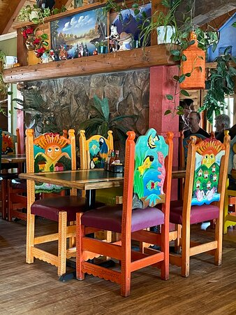 Great looking decor, not so great food