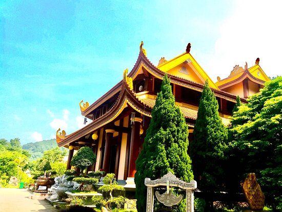 Outide of Tay Thien zen monsastery