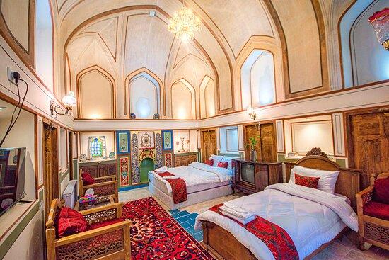3 beds.Shah neshin room