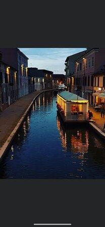 Di notte Comacchio diventa magica!