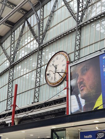 Liverpool Lime Street Railway Station Clock ⏰