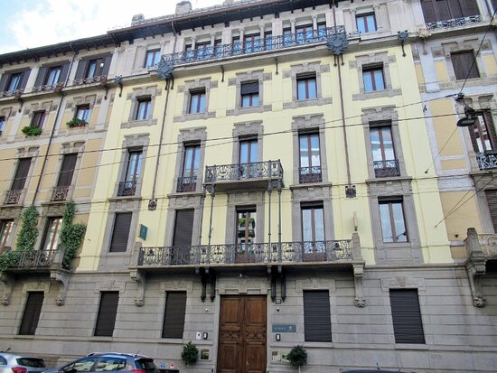 Palazzo Via Ariosto 22