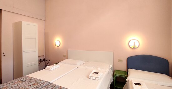 Panoramica camera tripla economy Hotel Rita Major Firenze