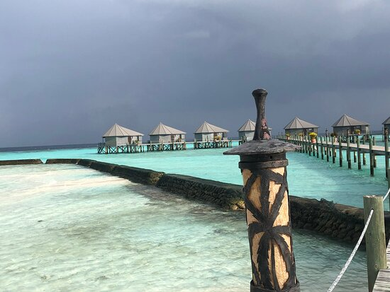 wonderful afternoon at Komandhoo Maldives resort for adults only high standard  amazing culinary