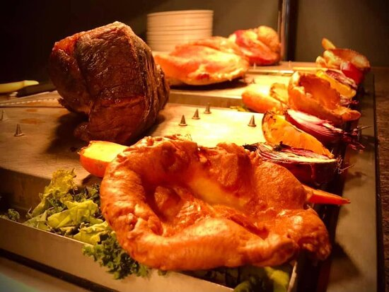 🥦🌽 Have you booked your Sunday Roast with us 🌽🥦  ..because what else are Sunday's for? Spending quality time with your family over a cracking roast dinner 😋  Our Carvery Deck is open at 12pm until late today  Choose from a brilliant line up: ⭐️ Gammon ⭐️ Turkey ⭐️ Beef ⭐️ Pork ⭐️ Cauliflower Cheese Tart  2️⃣4️⃣1️⃣ on all main meals and can be used alongside our carvery deck!  There's a little something for everyone 😋  We highly advise booking a table due to how popular our Carvery is!