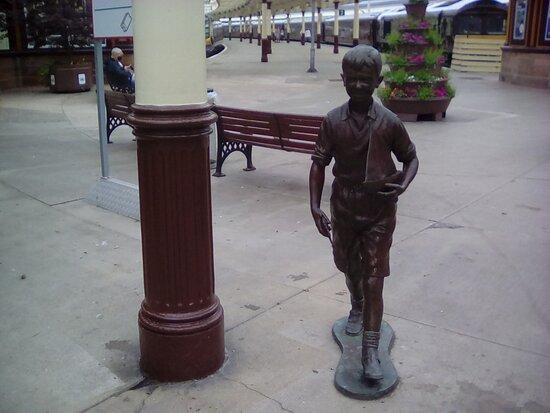 Bobby Statue