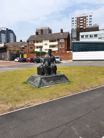 Henry Egerton Cotton Statue in Liverpool Buisness District