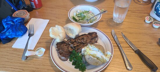 Alban, Canada: Great steak dinner