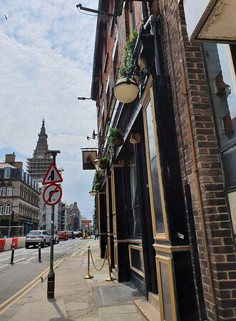 The Excelsior Pub in Liverpool Commercial District