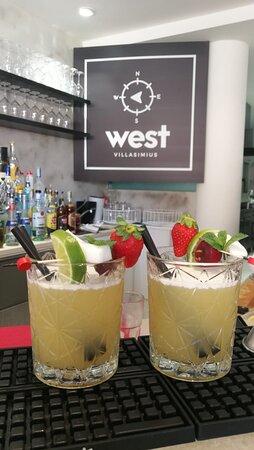 Pina Colada, tra i cocktail piu' richiesti al west.
