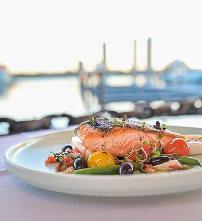© Glass Dining & Lounge Bar