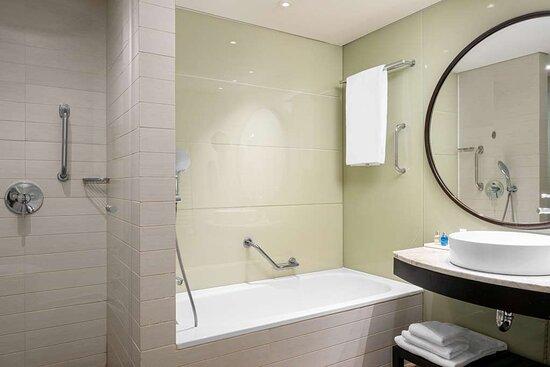 Premium Room & Executive Room bathroom